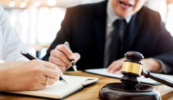 Avukatlık Ücreti Nedir? Nasıl Belirlenir?