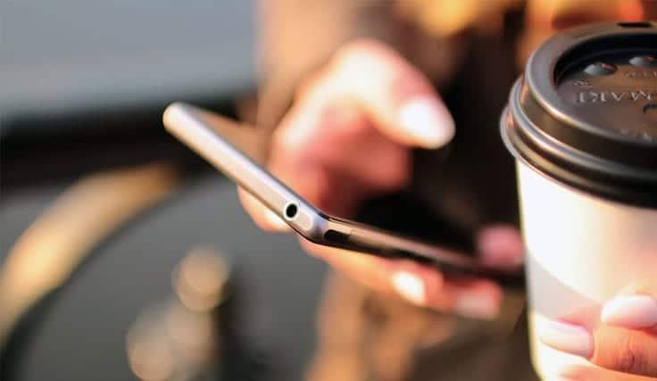 Eşin Telefon Görüşmesi veya Mesajlaşması Aldatma Sayılır Mı?