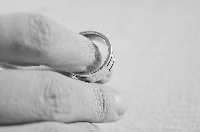 Çekişmeli ve Anlaşmalı Boşanma Davaları Nasıl Açılır?