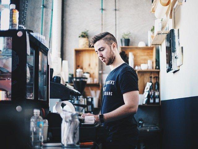 Yargıtay'dan Müşteriden Para Alıp Kendi Kredi Kartı İle Ödeme Yapan Kasiyere Emsal Karar