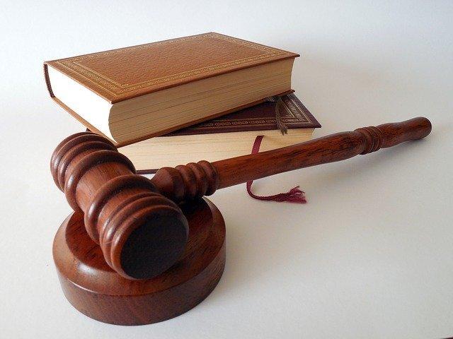 Boşanma Davası Devam Ederken Eşlerden Biri Ölürse Boşanma Nasıl Sonuçlanır?